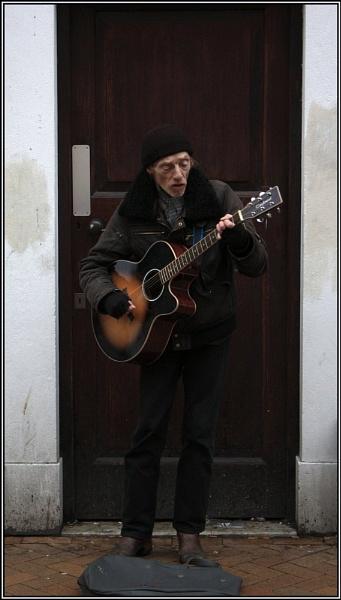Old timer, Rocking by SKETCHER68