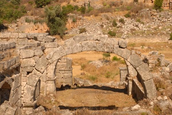 ruins in turkey by sumosue2007
