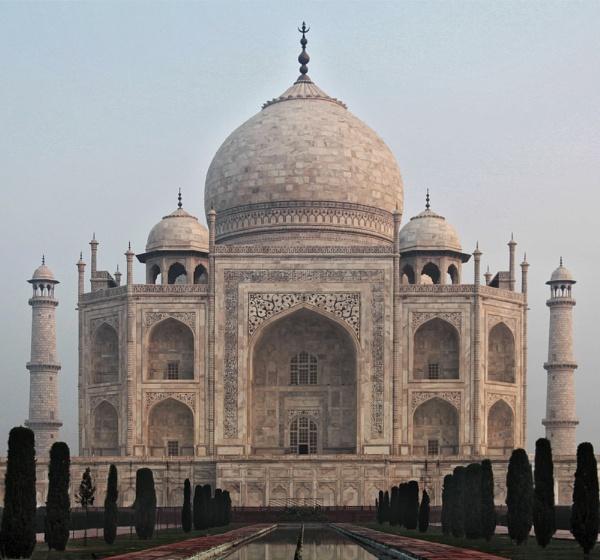 Taj Mahal by GrahamBaines