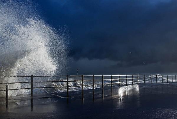 * Storm Light 1 by Mynett