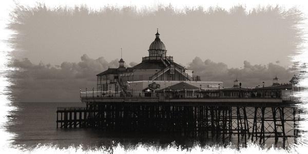 Eastbourne Pier by bracken95