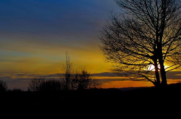 sunset by HuntedDragon