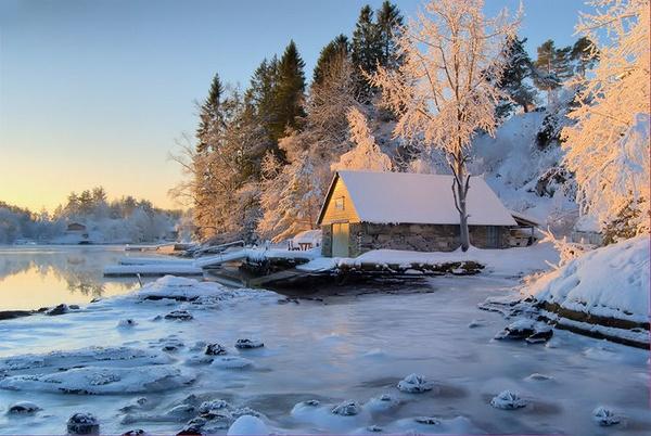 Icy coastal landscape by sparktacular