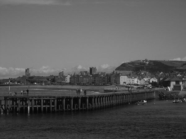 Aberystwyth Pier by lev93