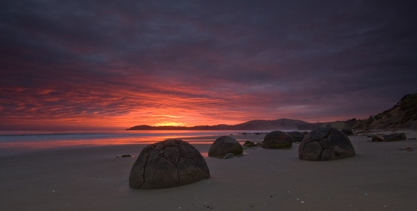 Moeraki Boulders by Jay_light