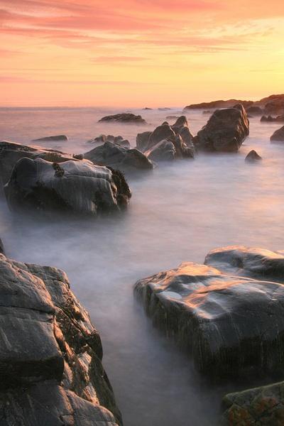 rocky Culla Bay Benbecula by jdgrimsay