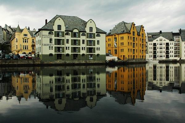Windows, Water & Weflections by DATMAN