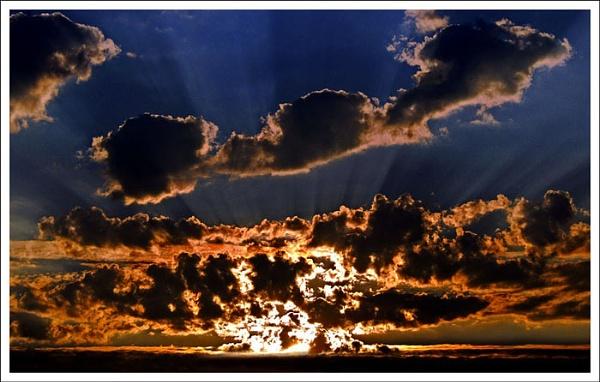last rays by shawpaul