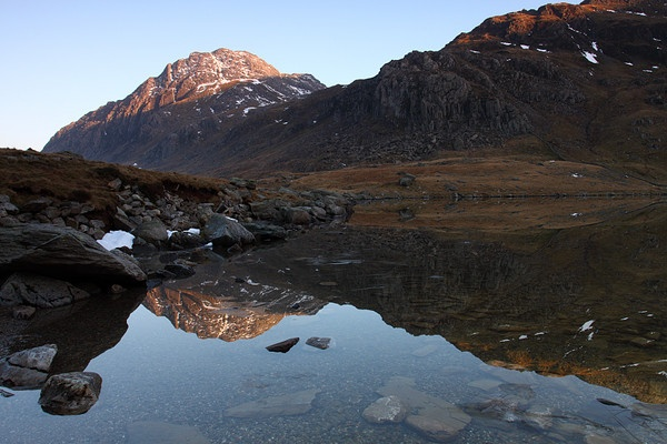 Tryfan from Llyn Idwal, Snowdonia by JulianC