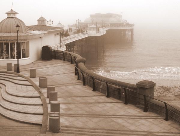 Cromer Pier by snaphotos