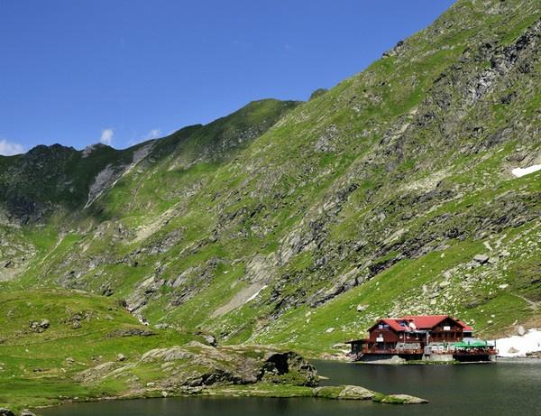 The Balea lake by ironoctav