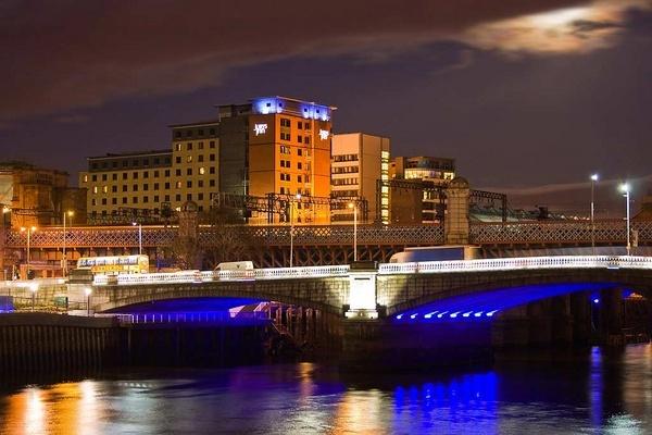 George the Fifth Bridge by iainglennie