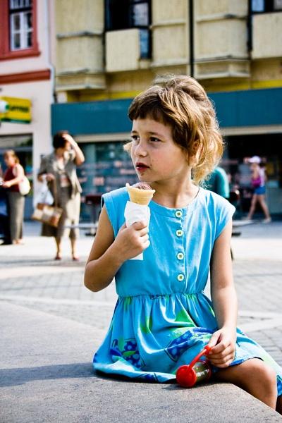 Hungarian Girl by darrenackers