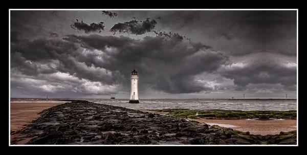 Perch rock lighthouse by cassiecat