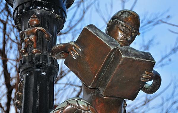 What Ya Readin'?