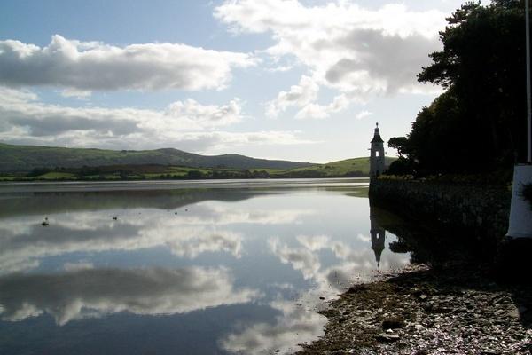 Calm waters, Portmeirion by Murfyzmum