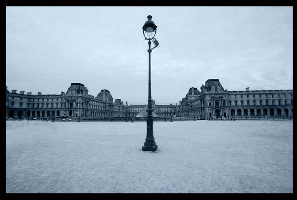 Louvre by acididko
