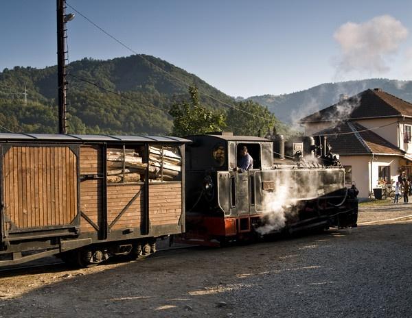 Old train by ironoctav