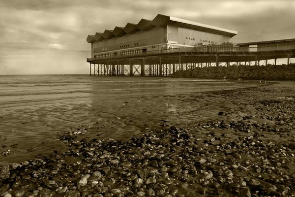 pier out by wozza321