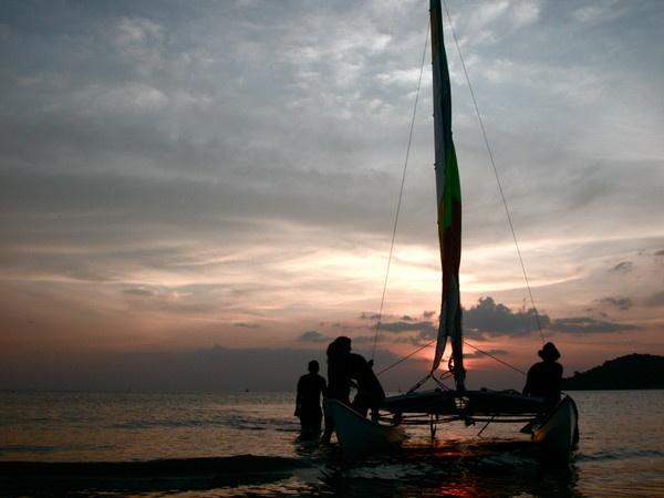 sunset in Pantai Cenang by Maisarah