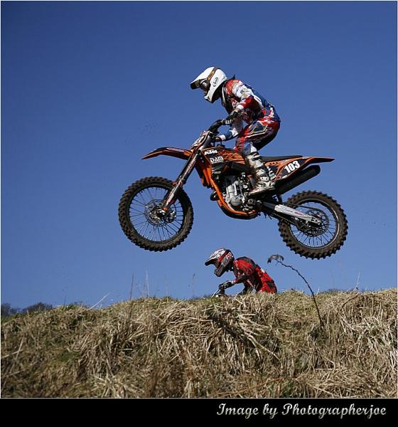 Flying Overhead by photographerjoe