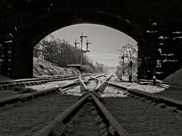 Snowy Rails by TonyFrith