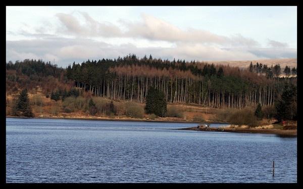 Cwm Cadlan Reservoir by RobbieWales