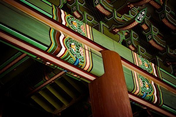 -ornamental beam- by clovek