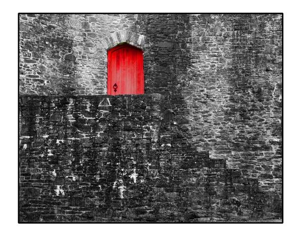 THE RED DOOR by sophielou