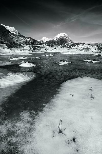 Frozen Underfoot by cdm36