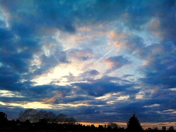 London Skies by colmar
