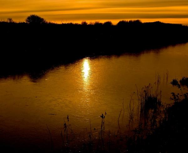 Golden Hythe by colmar