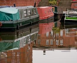 barges at rest