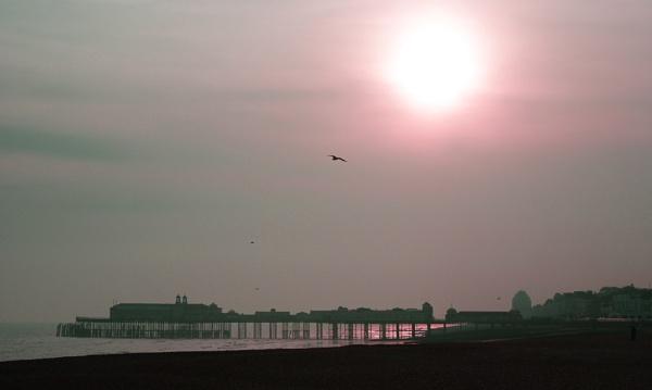 Hastings Pier by mark2uk