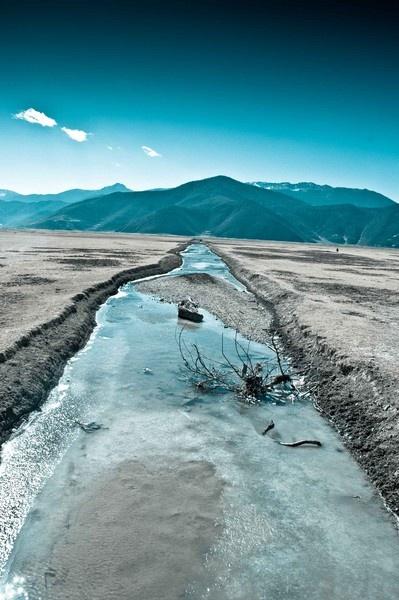 Frozen Shangri-la by Ridefastcarveha
