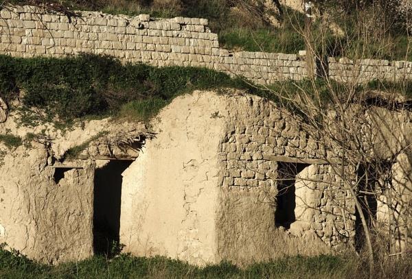 Derelict Adobe Cottage by nonur