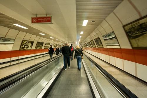 On the metro by Paul_Vinten