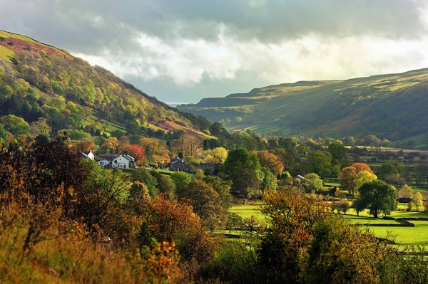 Buckden in Wharfedale by bobbrooky