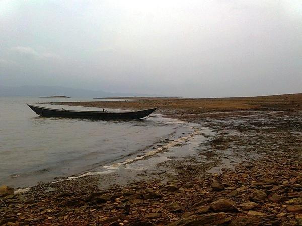 "\""river & boat\"" by sunnilkalinndi"