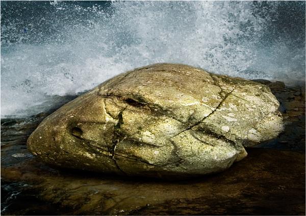 Rock Face by DavePrince