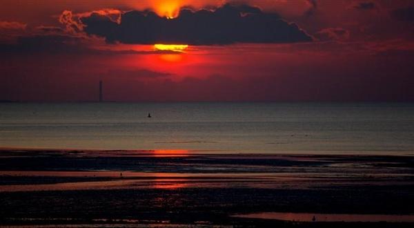 Sky on fire by newty1