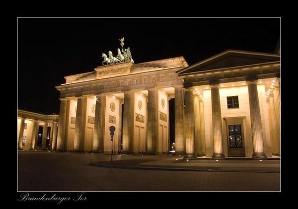 Brandenburg Gate by martinlmr