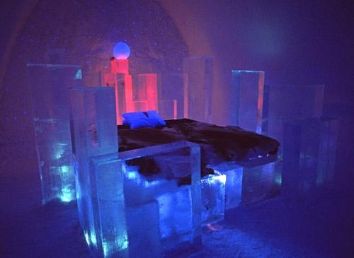 Bedroom in Ice Hotel by Paul_Vinten