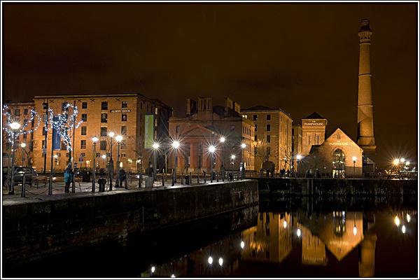 Albert Dock at night. by david357