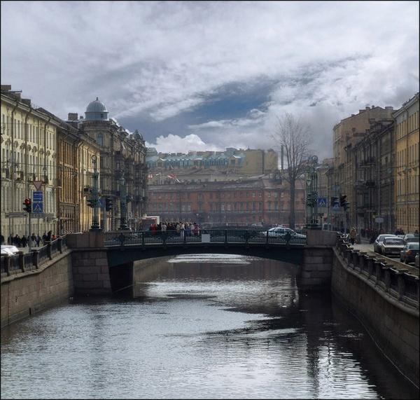 Walking by the channel by IgorDrankin