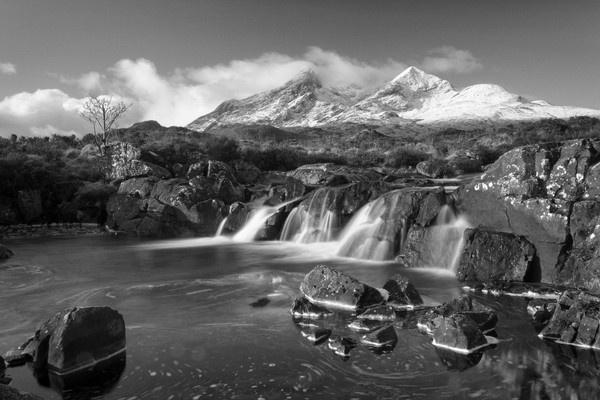 Cullins waterfall by pmaccyd