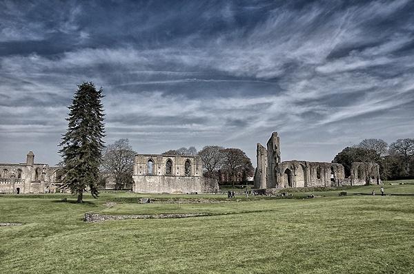 glastonbury abbey by Brizzle