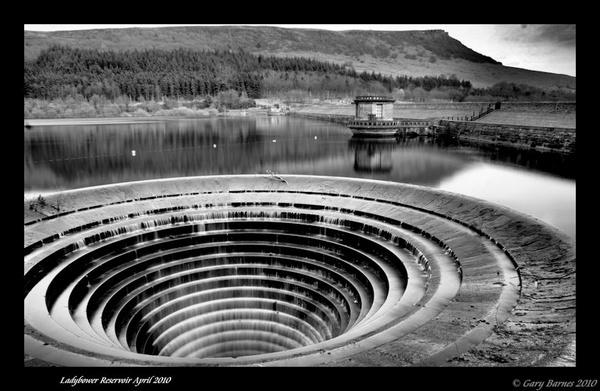 Ladybower Reservoir by wag_sfd