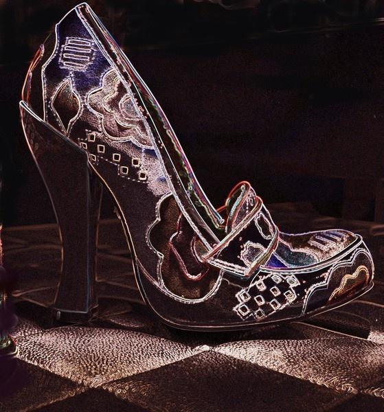Little old shoe by taylortopcat