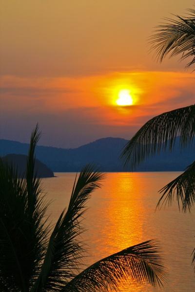 Phuket Sunset by colin
